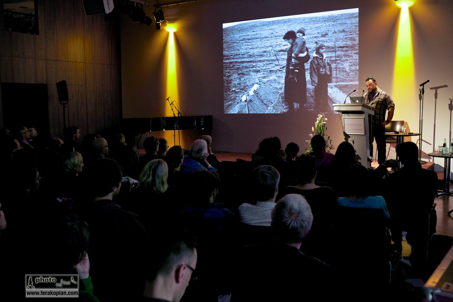 Edmond Terakopian giving a talk on Photography & Film to the IFC (International Features Conference), Media Campus (Medienstifftung der Sparkasse Leipzig), Poetenweg, Leipzig, Germany. May 14, 2014. Photo: Thomas Martin Gasser / @ThomasMGasser